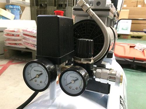 コンプレッサーの圧力計